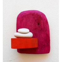shelf,fuchsia,pebbles