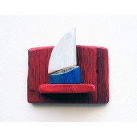 shelf,red,sailboat,blue